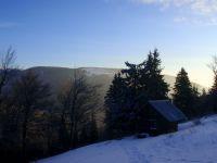 Prvé náznaky jarného ranného slniečka na horách
